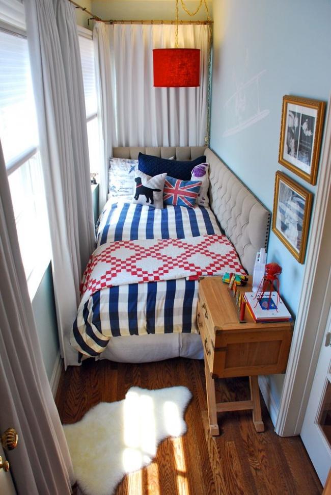 Кровать на балконе фото